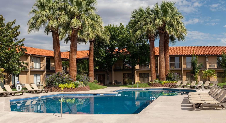Desert Garden Inn, A Trademark Collection Hotel