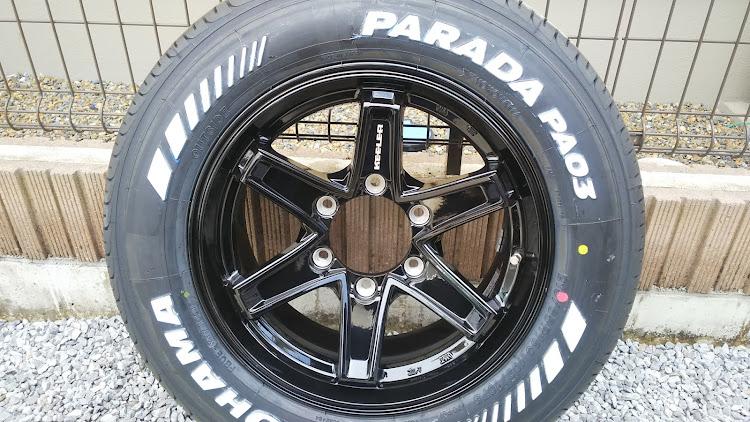 ハイエース TRH112Vの100系ハイエース,擦り傷,タイヤ交換,塗装剥がれに関するカスタム&メンテナンスの投稿画像1枚目