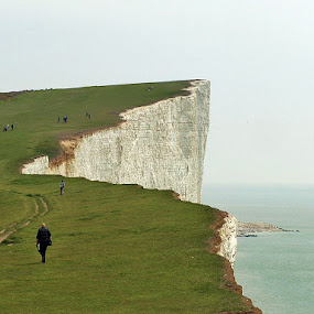 who dares? by Almas Bavcic - Landscapes Travel ( england, nature, cliff, sea, horizont )