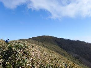 東雨乞岳へ(山頂に沢山の登山者)