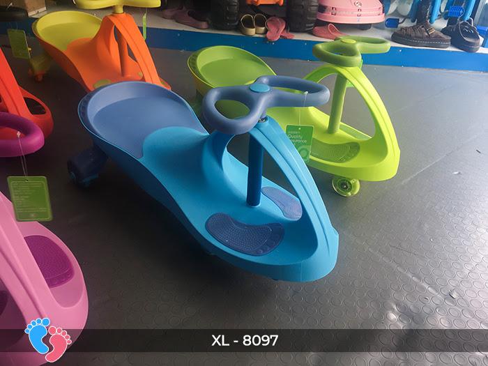 Xe lắc đồ chơi cho bé Broller XL-8097 6