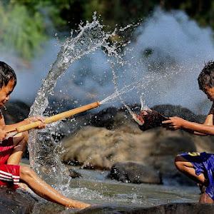 anak perang air.jpg