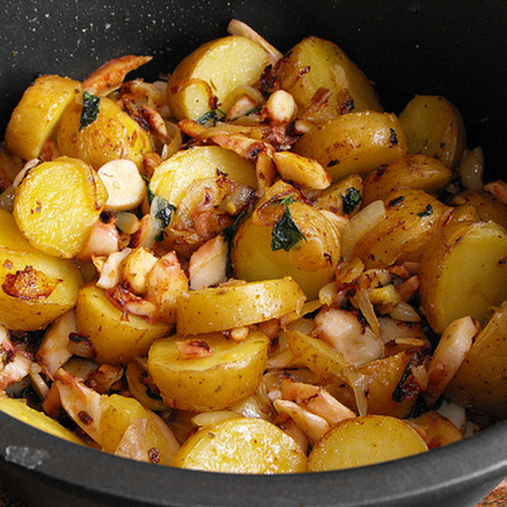 Octopus with Sauted Potatoes Recipe