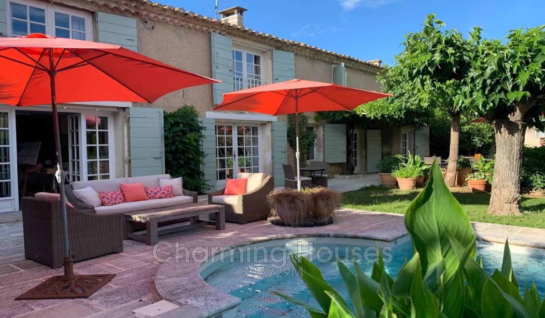 Villa with pool Saint-Martin-de-Crau