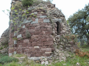 Photo: Chapelle ruinée de Sant Christofol dels Horts