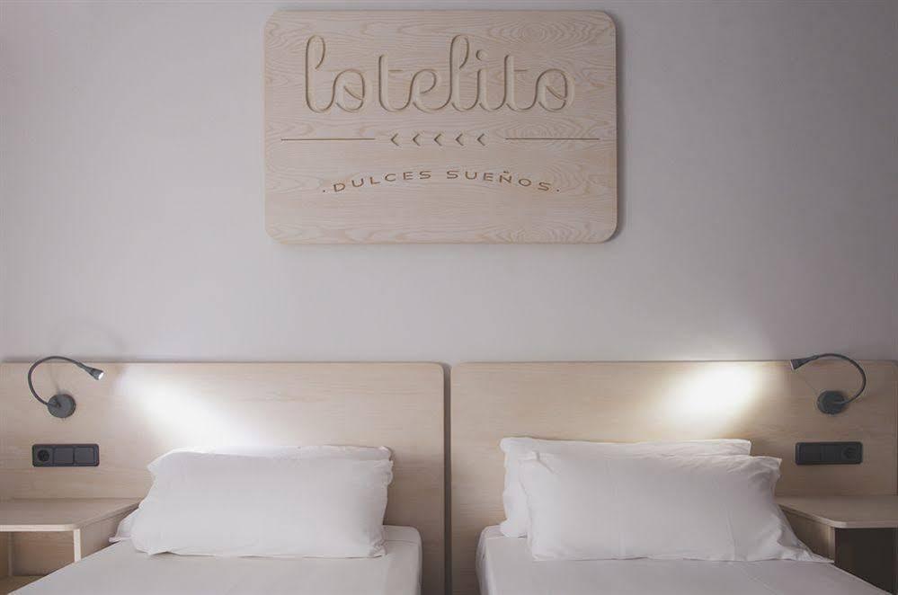 Lotelito Rooms & Bar