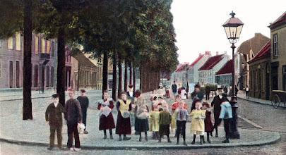 Photo: 1902 - Heuvel, ter hoogte van de Telegraafstraat.