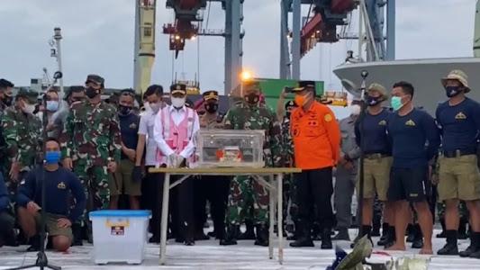 Panglima TNI SBY Ungkap Fakta Aneh Tragedi AirAsia dan Sriwijaya Air - VIVA