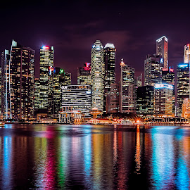 Noite colorada by Gordon Koh - City,  Street & Park  Skylines