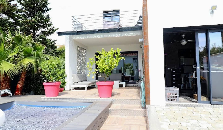 Maison avec jardin et terrasse Frejus