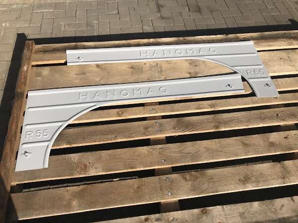 Hanomag R55 Seitenteil Lang Links und Rechts Seitenteil Links und Rechts Hanomag R55 in Lang /Grundiert Foto 1