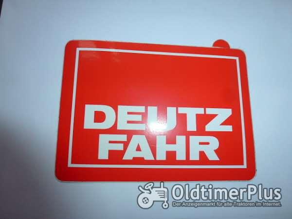 Deutz-Fahr Aufkleber rot  wie abgebildet Foto 1