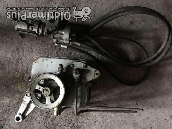 Claas Pumpe Tank und Dreifachsteuergerät für verschiedene Zwecke Foto 1