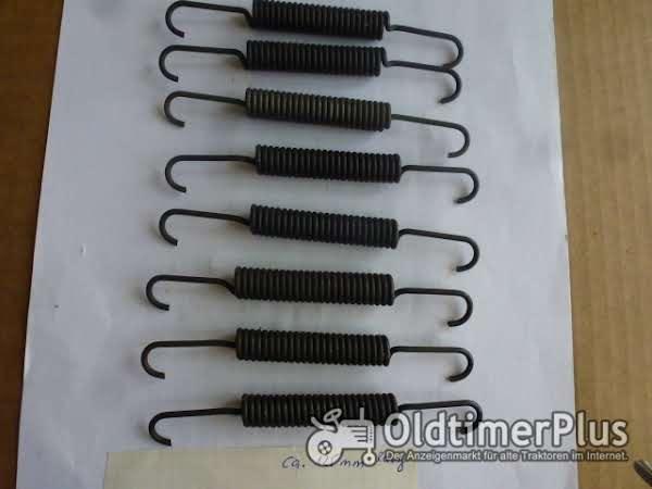 Deutz alte Schlepper 8 Bremsfedern Foto 1