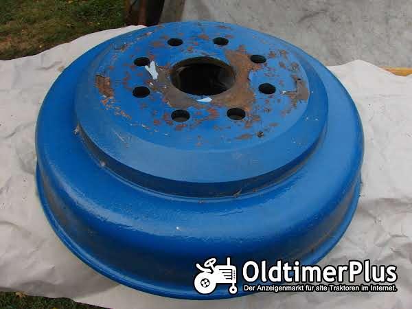 Hanomag R435 Bremstrommel hinten rechts Foto 1