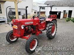IHC Farmall D 320