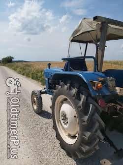 Ford 2000 Dexta mit vollhydraulischem Mähwerk Foto 2