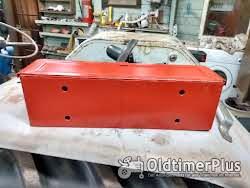 gereedschapbakje tractor universeel rood Foto 3