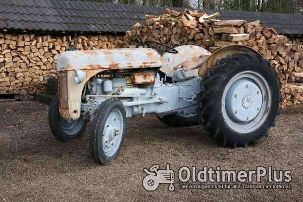Ford 2N Foto 1