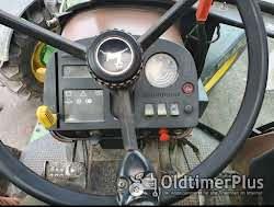 John Deere 2850 mit Fronthydraulik Foto 2