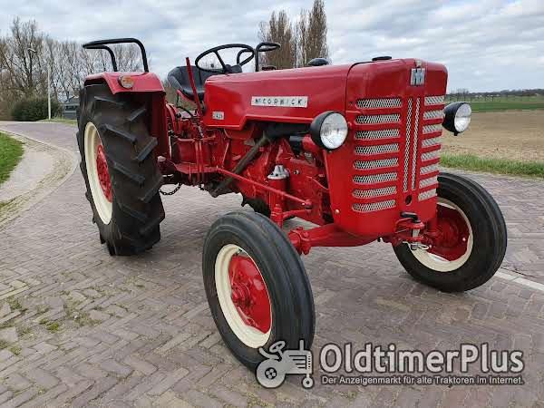 Farmall Cormick D439 gerestaureerd en gereviseerd, nieuwstaat Foto 1
