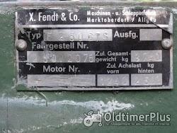 Fendt GTS 250 Geräteträger mit Frontlader Foto 4