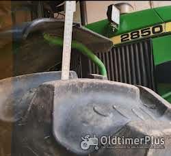 John Deere 2850 mit Fronthydraulik Foto 5