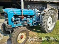 Fordson Super Major neu überarbeitet Foto 2