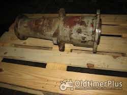 Deutz D5506 Hinterachstragrohr rechts Foto 2