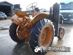 Renault R3042 Holzgas Foto 3