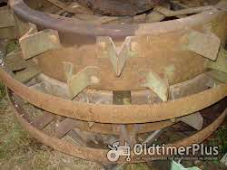 LANZ Eisenräder vo grossen Glühkopf Foto 2