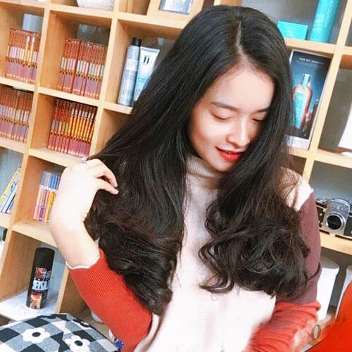 Kiểu tóc dài đuôi dài ngang lưng tóc xoăn đẹp