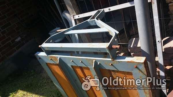 Eicher Hydraulikplattform  EM100 , EM200, EM300 Eicher Hydraulikplattform Foto 1