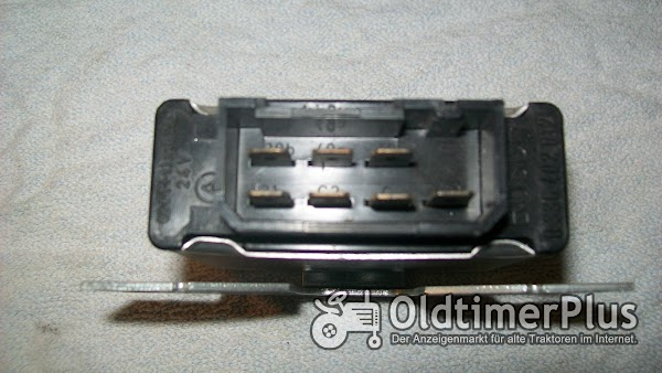 Bosch 0336402012 neu Warnblinkgeber  24V(2+1+1)mal 18W Foto 1