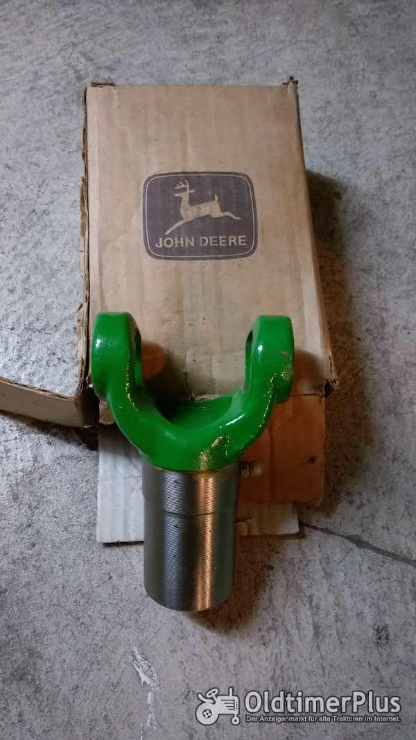 John Deere Gelenkgabel v. Allradwelle Foto 1