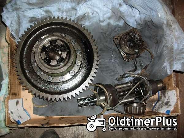 Deutz D 40 L diverse Getriebeteile Foto 1