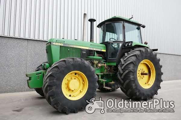 John Deere 4250 4WD Foto 1