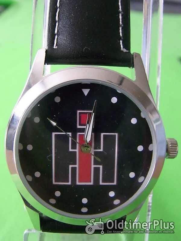 IH Zeichen,schwarz  Armbanduhr Foto 1