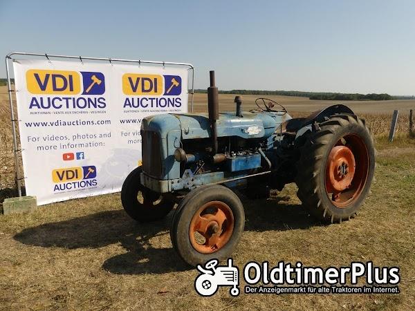 Fordson major Diese Traktoren befinden sich in Frankreich 16250 Angouleme! Foto 1