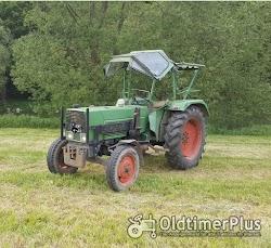 Fendt Farmer 4 S mit Frontlader Foto 3
