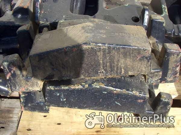 Deutz-Fahr Innengewichte für Vorderachsbock für Deutz Serie 06 und 05 Foto 1