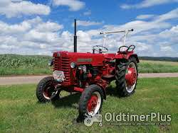 IHC IH Mc Cormick International D 320 Farmall