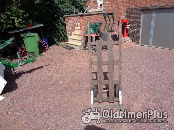 Oud Houten Steekwagentje Met Volle Banden Foto 1