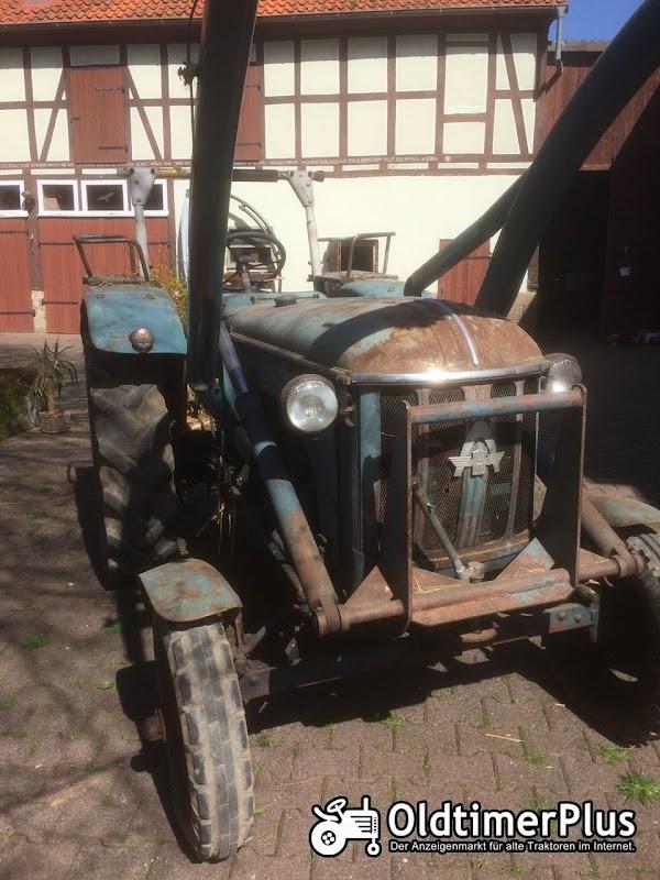 Hanomag R324S mit Frontlader Foto 1