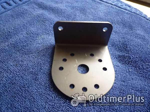Steckdosenhalter Universal Steckdosenhalter für Schlepper passend Foto 1