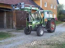 Fendt Farmer 102LS Turbomatik mit Frontlader Foto 4