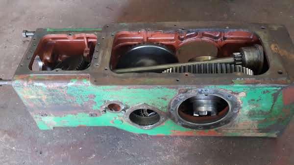 Deutz d25.2/d30 Getriebeteile mit Gehäuse Foto 1