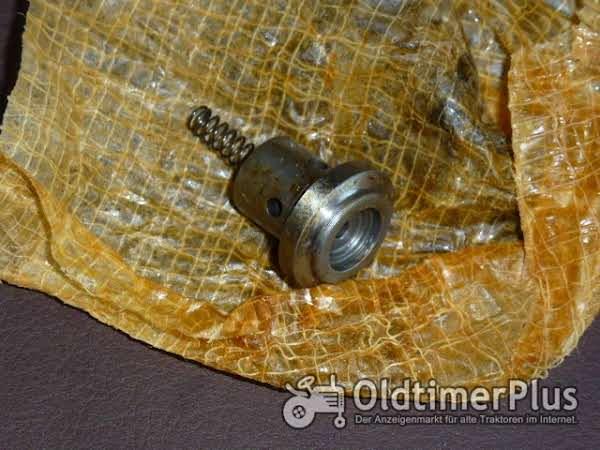 Deutz Ventil zum Motor FL2 514 Foto 1