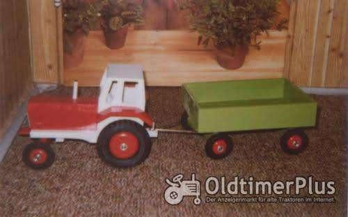 Holztraktor Foto 1