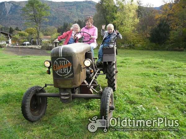 Eicher   Eicherausfahrt- Traktor selber fahrern. Wohnen im gemütlichen Ferienhäuschen photo 1